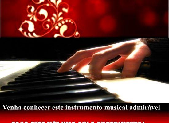 Cartaz Mês Piano